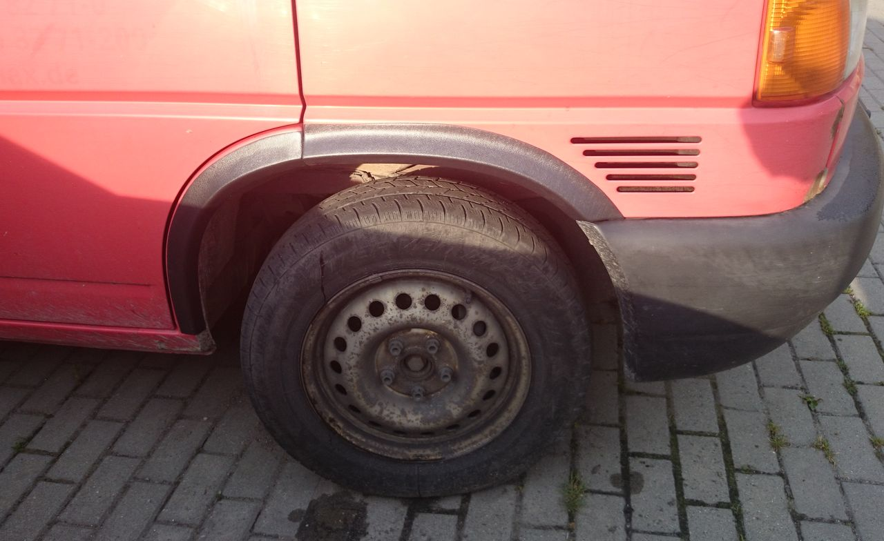 Plastové lemy blatníku VW Transporter, T4, Caravelle 1990-2003